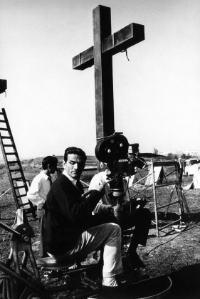 pier-paolo-pasolini-on-sets-of-gospel-according-to-st-matthew